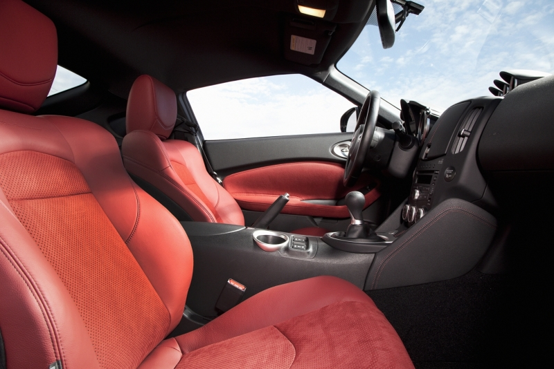 2010 Nissan 370Z Touring 40th Anniversary Edition - Car