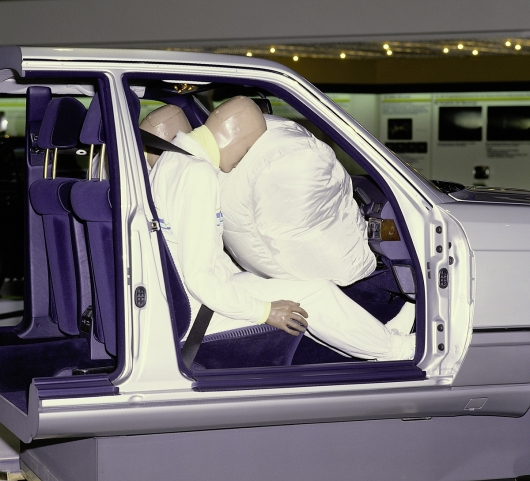 Crash test airbags